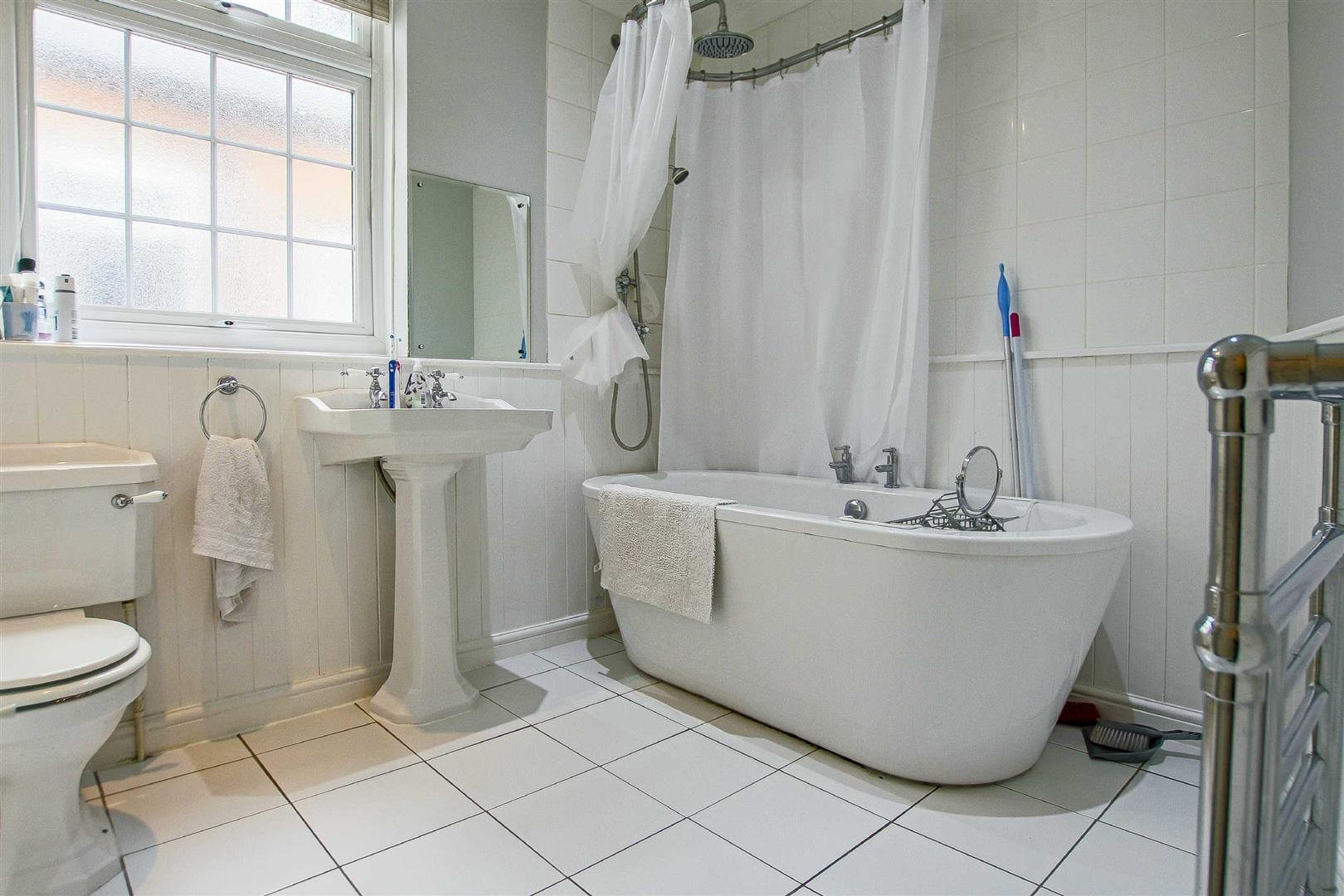 5 Bedroom Terraced House For Sale - Image 4
